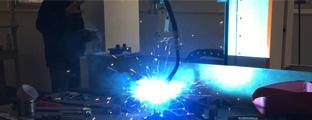 自动焊接机与工装设计